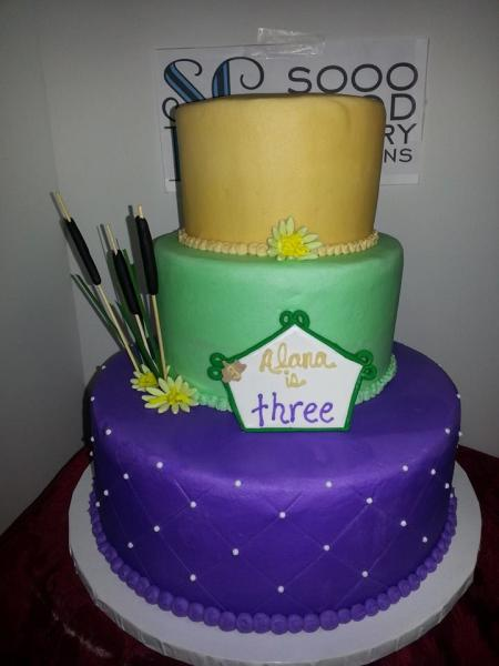 This birthday cake made with 3 different colors is sure to please.